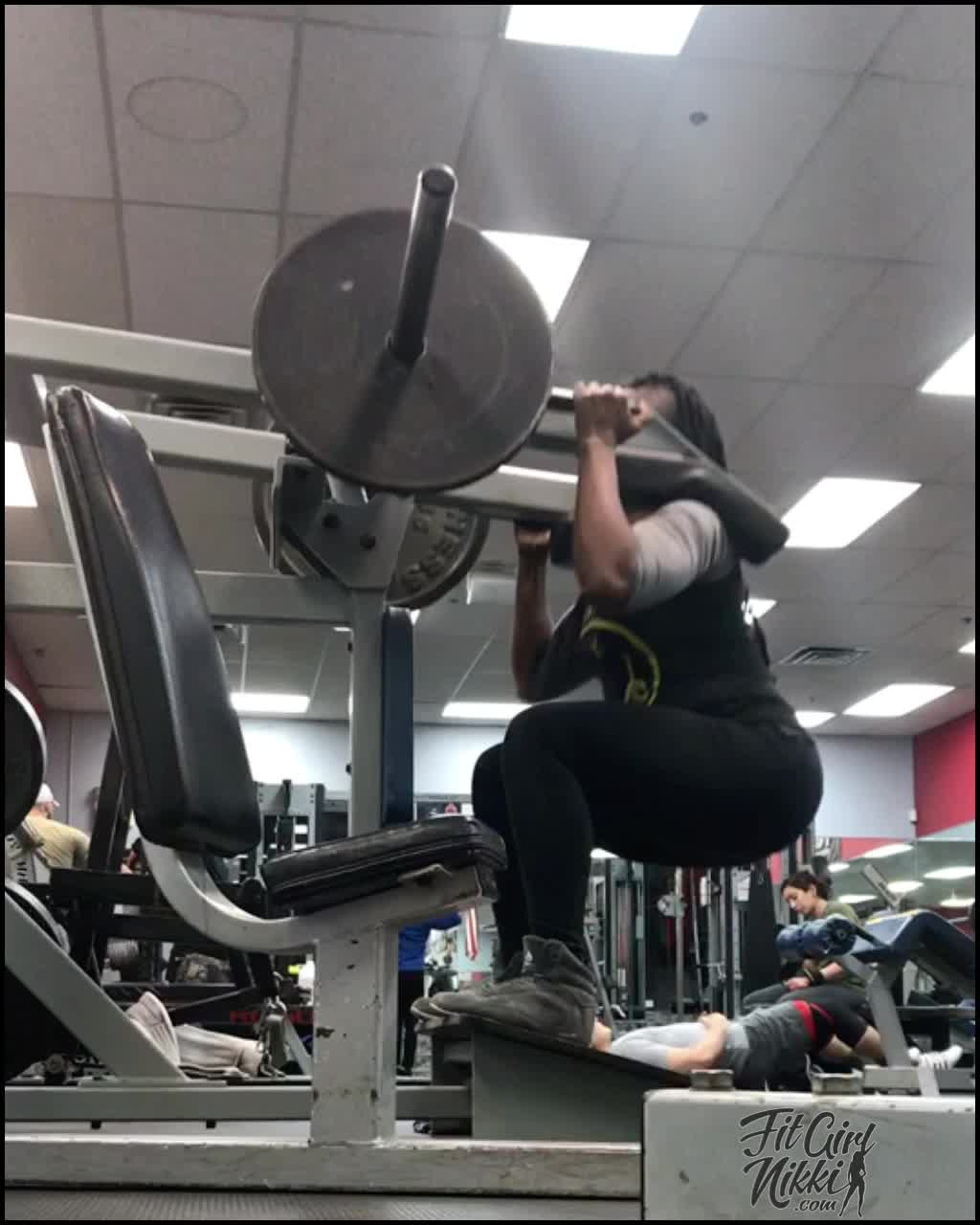 Fit Girl Nikki | Leverage Machine Squats