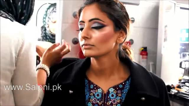 Video Tutorial Indian Bridal Makeup And Hair Style Saloni Health