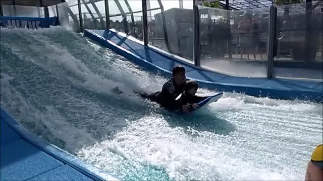 Charlies Surf