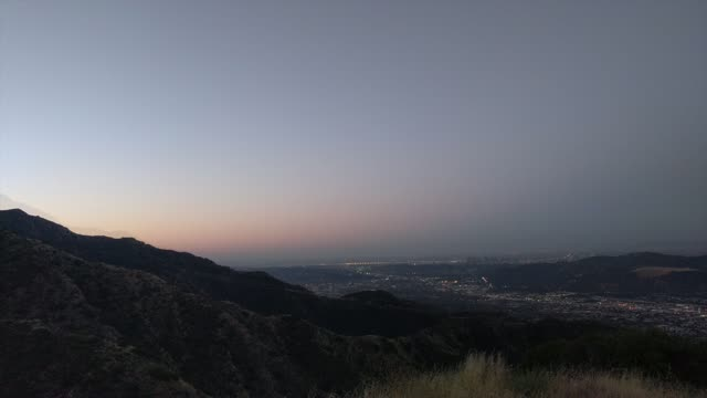 Video: 42 minutes of a Los Angeles sunrise hike compressed ...