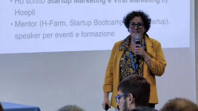 Alessia Camera: Il passaparola a disposizione del prodotto: si può progettare il marketing virale?