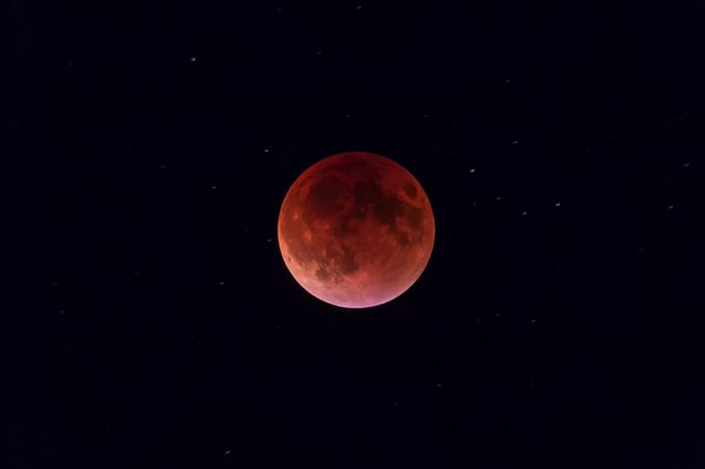 red Moon – The Amazing Sky
