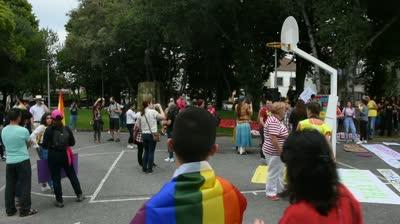 6ef97e56a7b98d 1ª MARCHA PELOS DIREITOS LGBT (VILA REAL, 27 DE MAIO DE 2017) – VÍDEOS –  EPHEMERA – Biblioteca e arquivo de José Pacheco Pereira