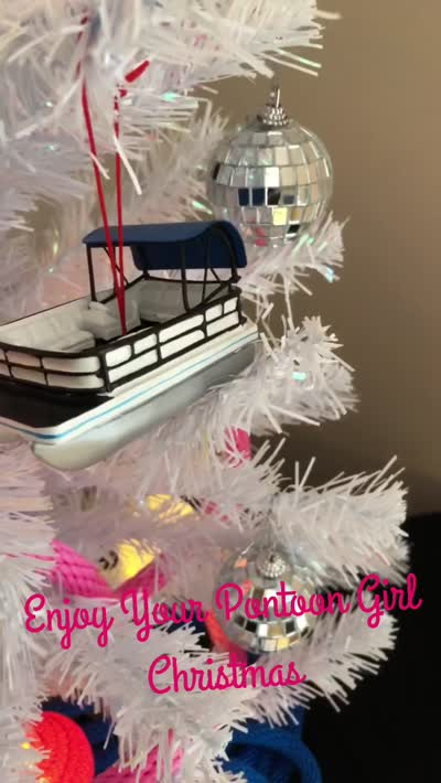 Pontoon Girl Mini-Tree