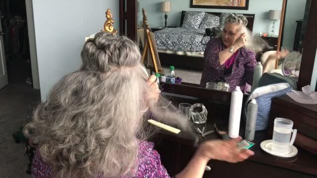 Video how to do it yourself hairstyle featuring kittye sharron kittye sharron its all in your head hair tutorial solutioingenieria Choice Image