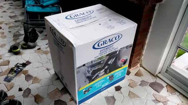 Give Yourself a Parenting Win with the Brand-New Graco Extend2Fit! — Intro to the Graco Extend2Fit