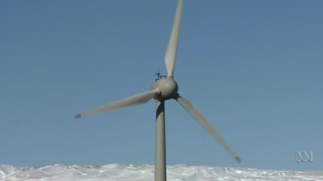 FAIL: Antarctic research station wind turbine crashes