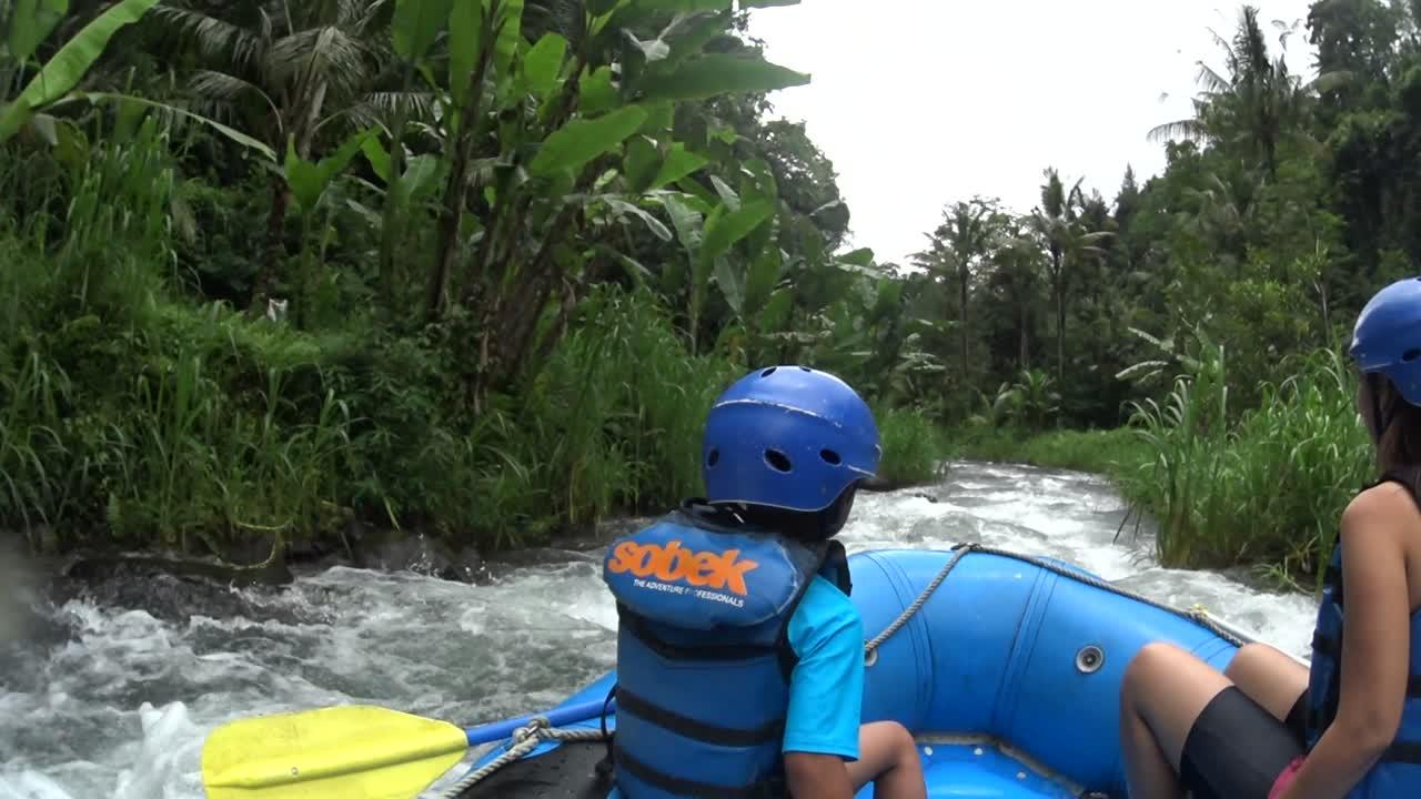 Rafting Seru Bersama Anak Di Telaga Waja Bali Plesiran Keluarga Tiket Sungai Ayung