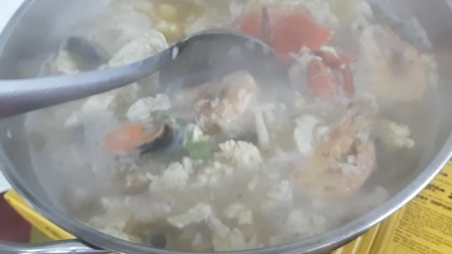 Seafood_Boiled_Rice.mp4