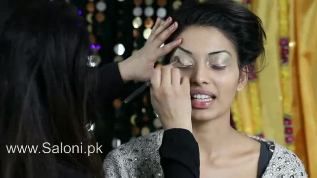 Video Tutorial: Asian Mendhi and Bridal Makeup Tutorial by Mus – Saloni Health & Beauty Supply – THE UNCOMMON BEAUTY