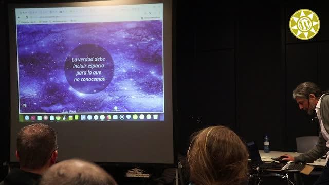 Jesús Pérez Lorenzo: Pregunta a los datos de tu web / Grafos de datos y APIs