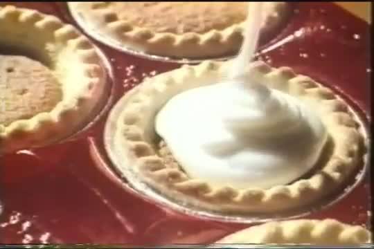 e63e70bcf7 Don't forget that Mr Kipling does make exceedingly good cakes… – Créativité