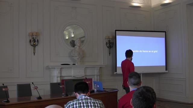 Darío Balbontín: El futuro presente de CSS – Layouts con Grid