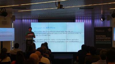 Siddharta Navarro: Introducción a Drupal y WordPress