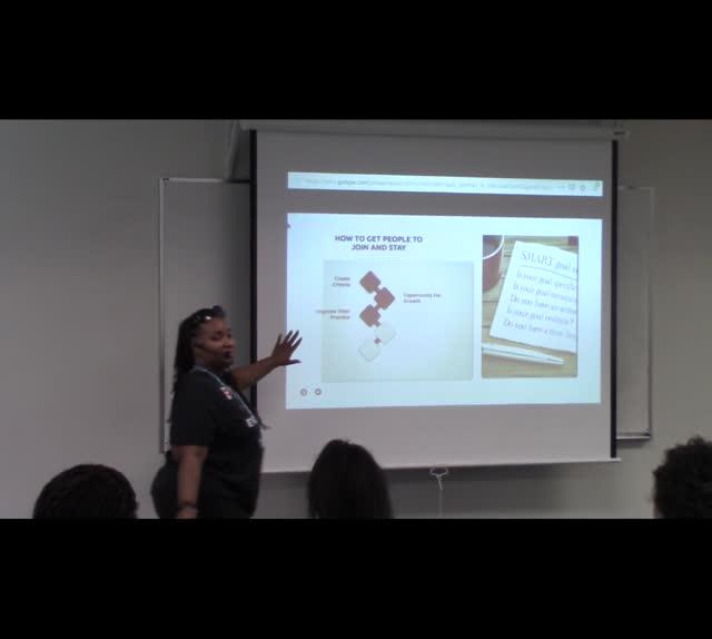 Aisha Adams: Building & Growing an Online Community - part 1