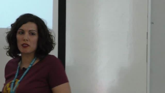 Nora Ferreirós: No me chilles, que no te veo: la jerarquía visual en pantalla