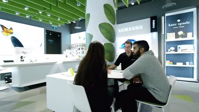 TELUS Holiday Gift Guide — TELUS Connected Experience Store v2