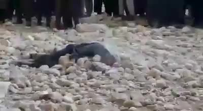 Afghan Chit Chat Site man being stoned to death in afghanistan. (nsfw) | silverback chit